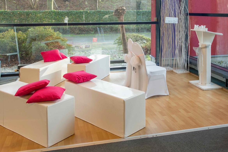 loungebankjes Feestmateriaalv erhuur
