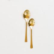 Goudkleurig bestek: grote lepel feestmateriaal verhuur