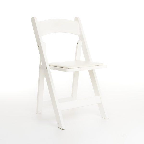 Witte houten klapstoel / Wedding chair